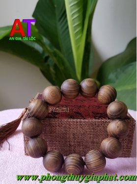 Vòng đeo tay gỗ thủy tùng