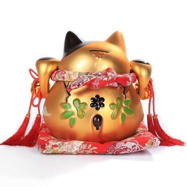 Mèo vàng may mắn Nhật Bản